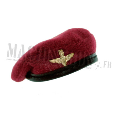 Felt beret with parachute cap badge